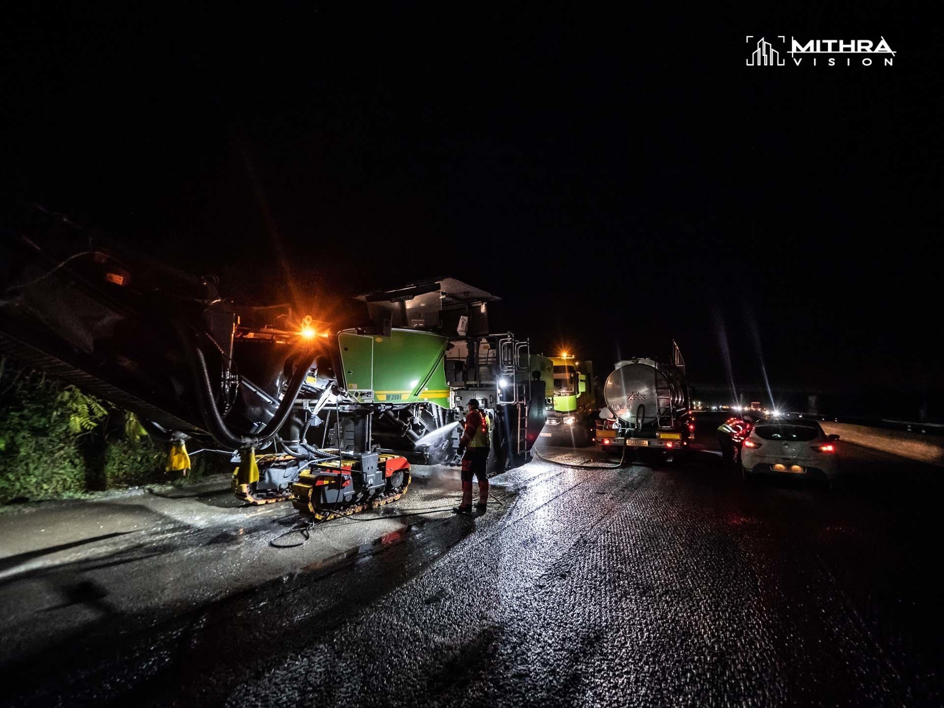 Chantier nocturne d'enrobés sur le réseau VINCI Autoroutes